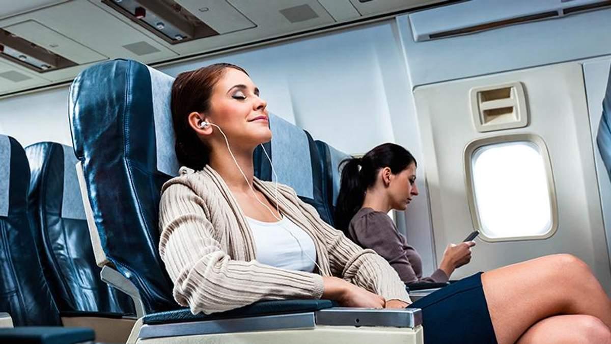 5 правил етикету на борту літака, про які варто знати