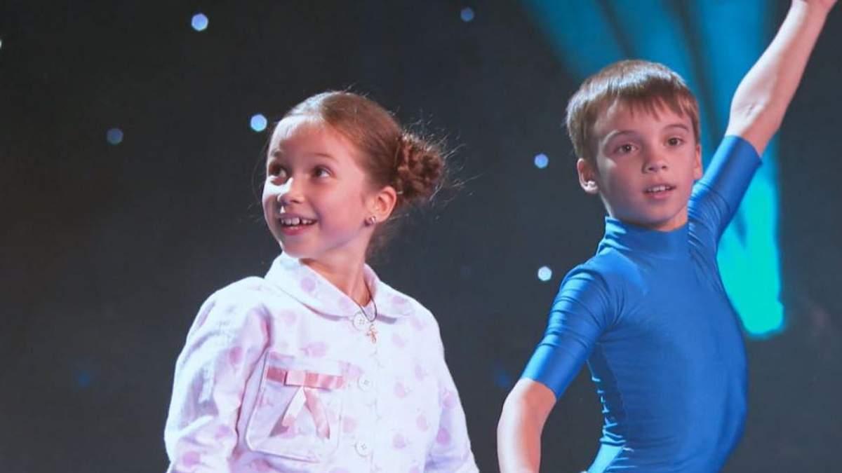 Повітряні гімнасти влаштували благодійний концерт у Харкові: яскраві фото та відео