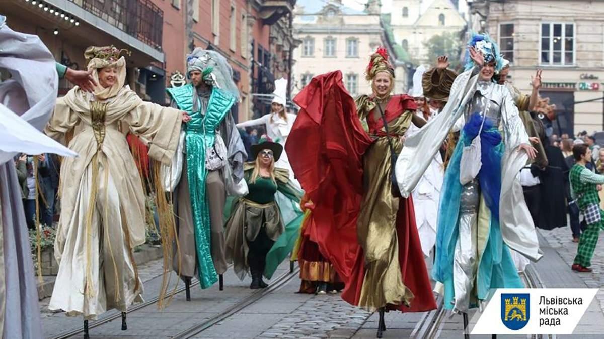 Львов превратился в театральную сцену: какие спектакли будут проходить на фестивале Золотой лев
